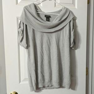 Gray scoop neck shirt